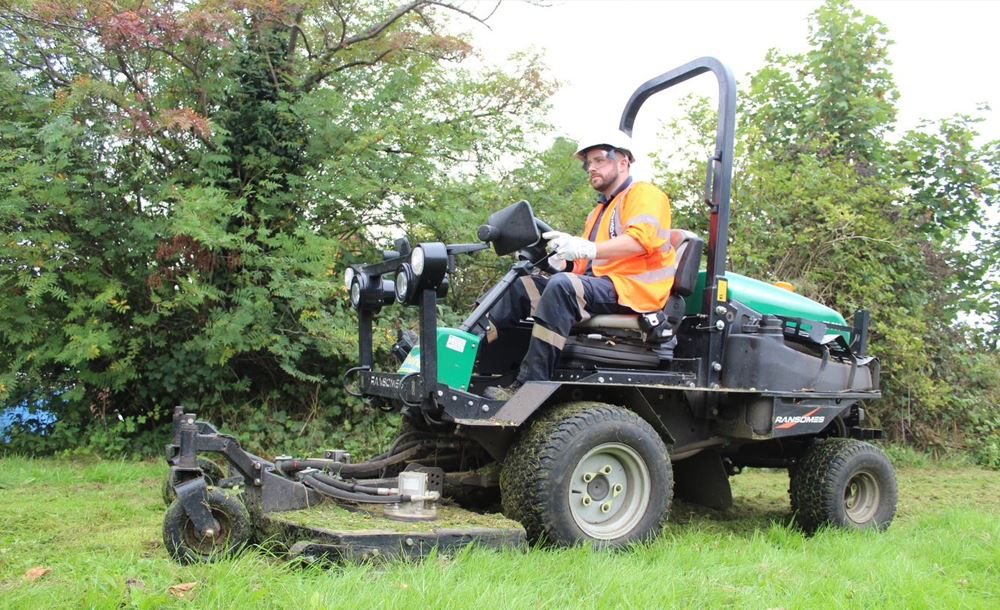 1000x610 Routine Maintenance - Grass Cutting